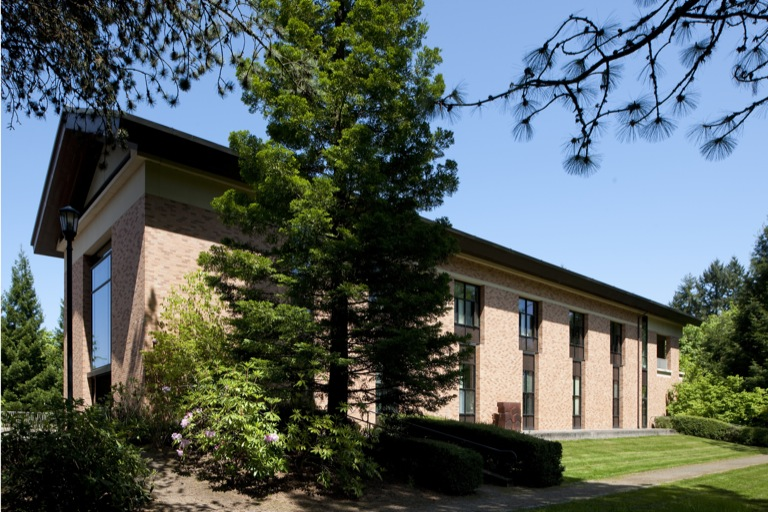 In January, Lewis & Clark hosted the memorial service for Fred Fields, a life trustee and devoted friend of the college. In the early l990s, Fields made the lead gift for the Fields Center for the Visual Arts, shown above.
