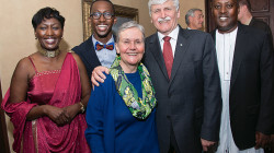 Guest Speaker Roméo Dallaire, with a CAS graduate and his family.
