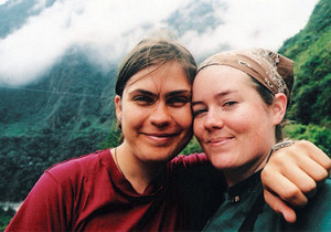 Sydney Linden '07 (left) with friend and fellow traveler Kathleen Yetman '07 in Ecuador.