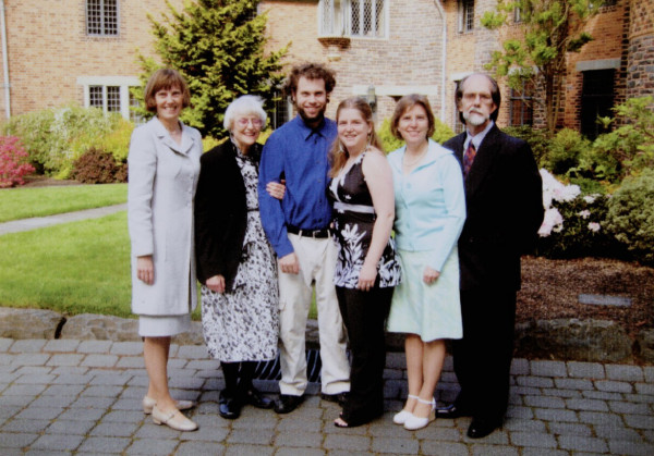 <em>From left: Susan Willis Tolle B.S. '73 (natural science), Mary Hughes (mother of Susan Tolle), Daniel McIntosh-Tolle B.A.'07 (biochemistry), Lindsay McIntosh-Tolle B.A. '07 (art), Debbie Sheppard McIntosh B.A.'75 (psychology), and Craig McIntosh B.A. '74 (theatre and history). Not pictured: Margie Willis B.S. '75 (biology).</em>