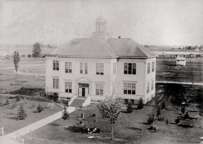 Albany Collegiate Institute, 1906
