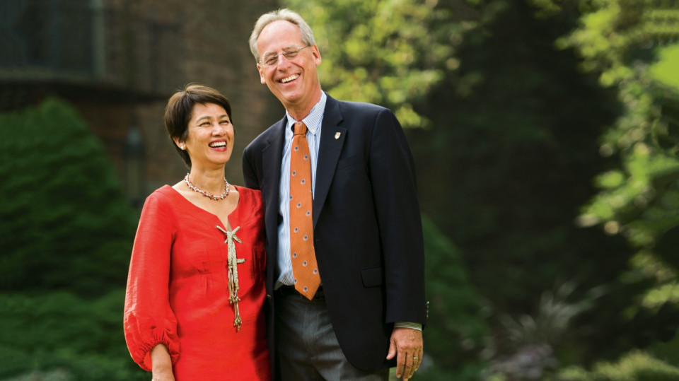 President Wim Wiewel and wife Alice outside the Frank Manor House