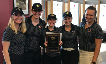 Almeida (L) with her golf teammates, after winning the 2018 Puget Sound Invitational Tournament.