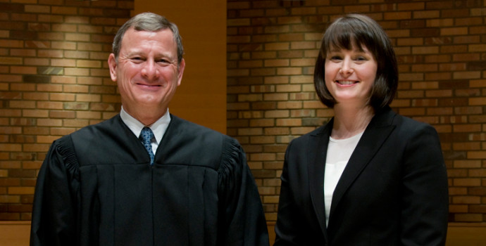 Chief Justice John G. Roberts, Jr. with law student Meredith Price B.A. '07, winner of the Envi...