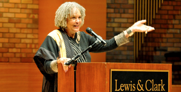 Charlayne Hunter-Gault speaking at the 2014 Chamberlin Lecture.